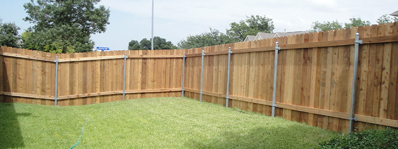 fenced backyard in lakeway